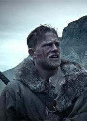 """Warner Bros. перенесла премьеру фильма """"Меч короля Артура"""""""