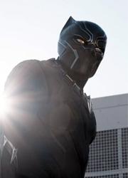 """Глава DC Comics восхитился трейлером """"Черной пантеры"""""""