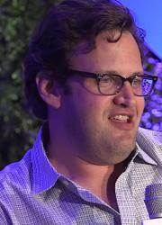 """Warner Bros. отстранила создателя """"Флэша"""" из-за сексуальных домогательств"""