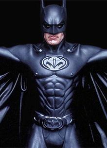 смотреть фильм Бэтмена впервые наделили пенисом