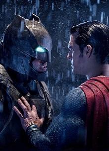 смотреть фильм Бену Аффлеку и Генри Кавиллу больше не быть Бэтменом и Суперменом
