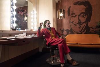 """Президент США устроил сеанс """"Джокера"""" в Белом доме"""