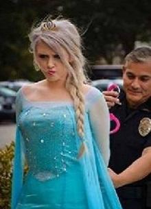 Полиция Иллинойса арестовала Эльзу из