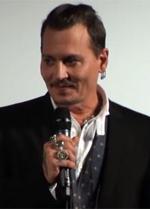смотреть фильм Джонни Депп представил десятки видеозаписей нападений Эмбер Херд на него