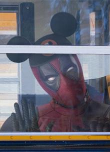 смотреть фильм Дэдпул поприветствовал объединение Walt Disney и Fox