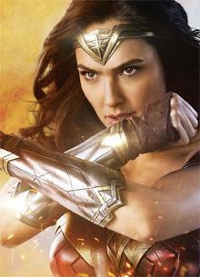 смотреть фильм Новая глава Warner Bros. выбрала Чудо-женщину вместо Бэтмена и Супермена