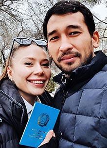 Секс-символ казахстанского кино Жандос Айбасов женился на русской красавице