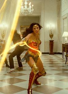 Warner Bros. вновь отложила релиз Чудо-женщины 2