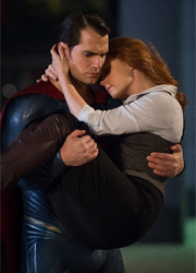 """Сборы """"Бэтмена против Супермена"""" достигли 200 миллионов долларов"""