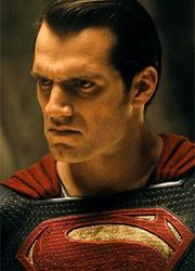 Генри Кавилл объявил о превосходстве Супермена над Капитаном Америкой