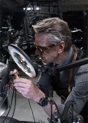 """Джереми Айронс поддержал критиков """"Бэтмена против Супермена"""""""