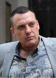 Том Сайзмор арестован за домашнее насилие