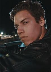 """Внебрачный сын Шварценеггера воспроизвел знаменитую сцену из """"Терминатора 2"""""""