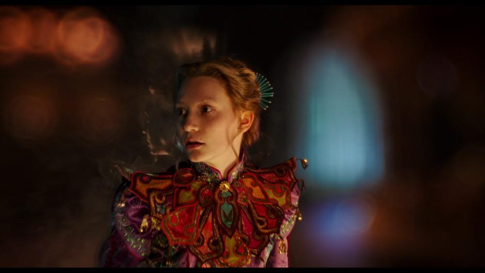 алиса в зазеркалье фото фильм 2016