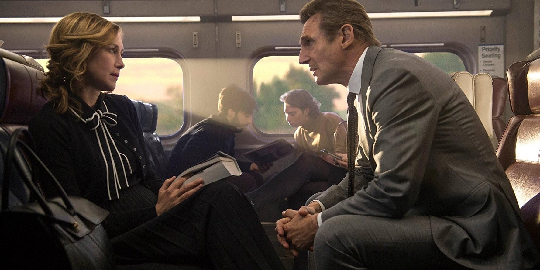 О чем кино пассажиры 2018