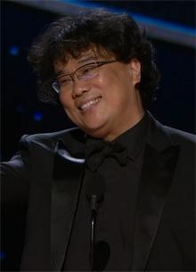 """Пон Джун-хо получил премию """"Оскар 2020"""" как лучший режиссер"""