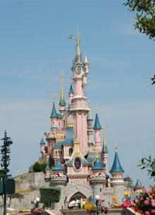 Компания Disney уволит десятки тысяч сотрудников