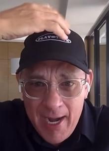 Том Хэнкс побрился наголо ради фильма об Элвисе Пресли