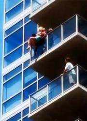 смотреть фильм Каскадер спас женщину во время Comic-con